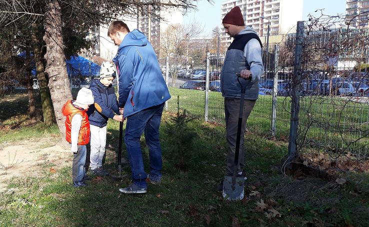 Zasadziliśmy 100 drzew na 100-lecie niepodległości! [GALERIA]